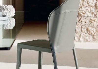02CATTELAN sedie